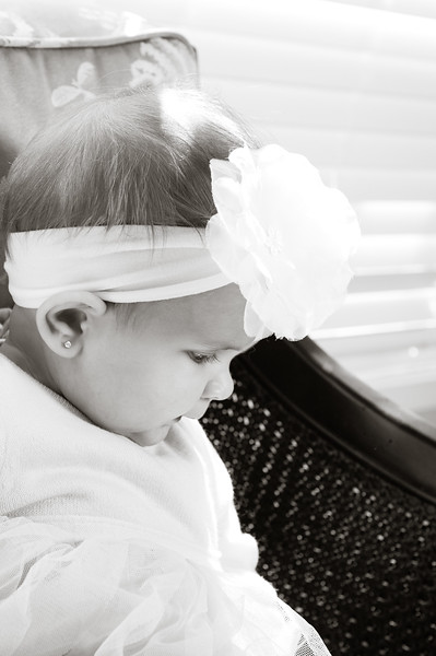 Lily at 6 months-4613.jpg