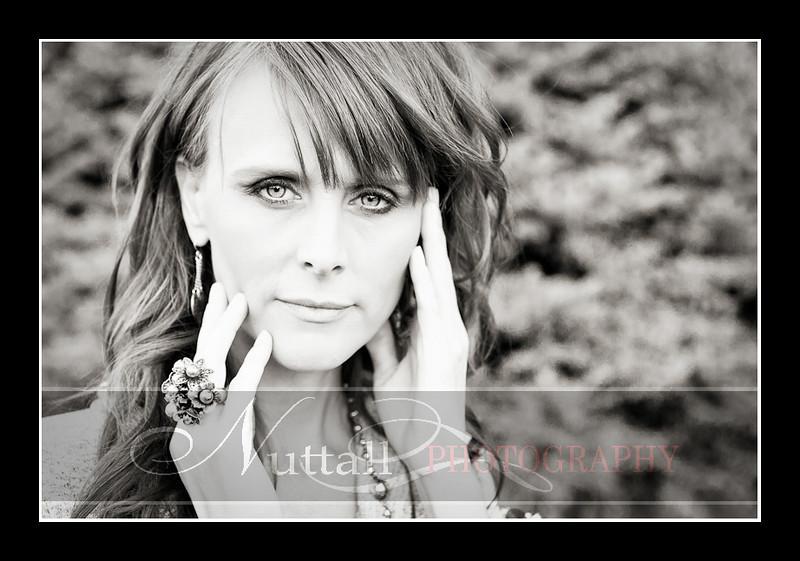 Lisa Beauty-309bw.jpg