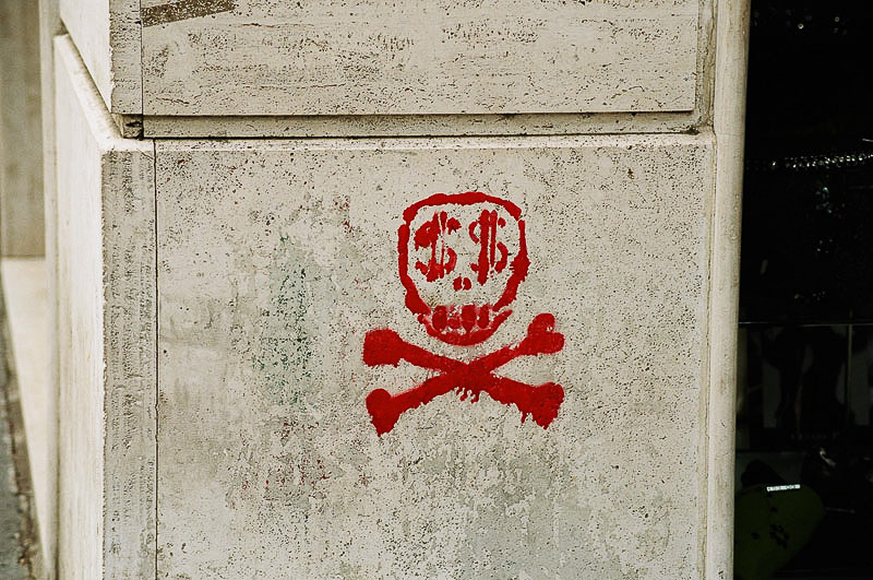 Graffiti_Capitalism_Kills