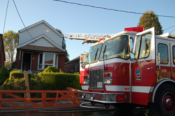 May 5, 2006 - 2nd Alarm - 88 Holmesdale Rd
