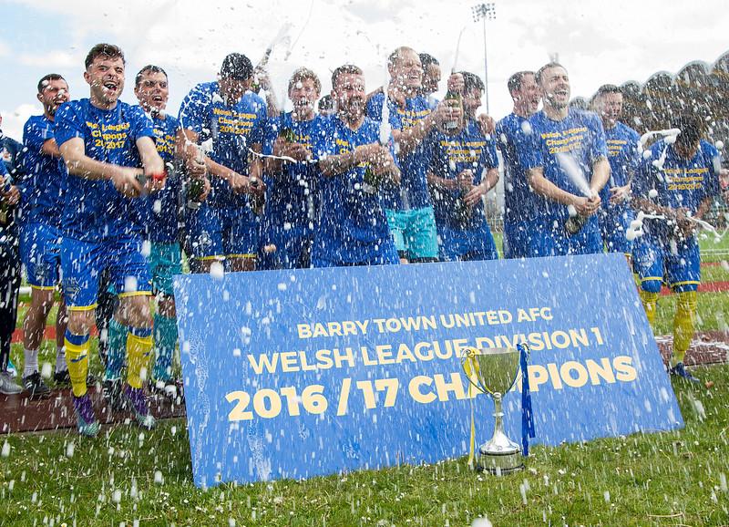 Barry Town United v Ton Pentre - Welsh League Division 1 - April 29th 2017