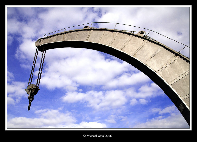 Boom from working steam crane (68279921).jpg