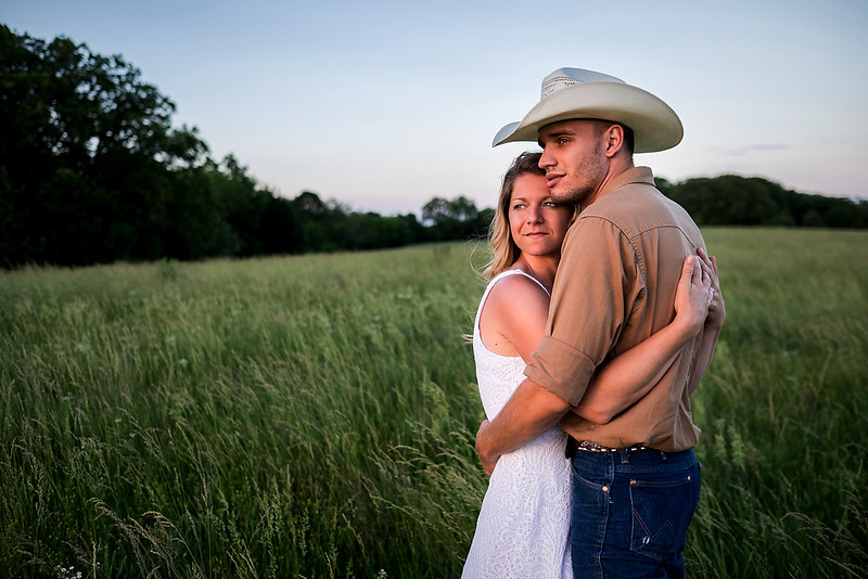 Kevin_Amanda_Country_Engagement_Blue_Photos_Jefferson_City_MO_Wedding_Photography -008.jpg