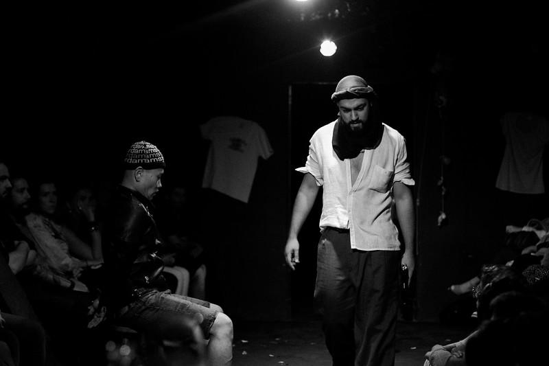 Allan Bravos - Fotografia de Teatro - Indac - Migraaaantes-282-2.jpg