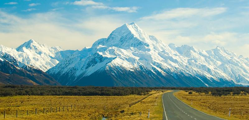 The road to Mount Cook New Zealands highest peak.