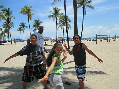 2014-Disney vacation - Mia dances at Magic kingdom
