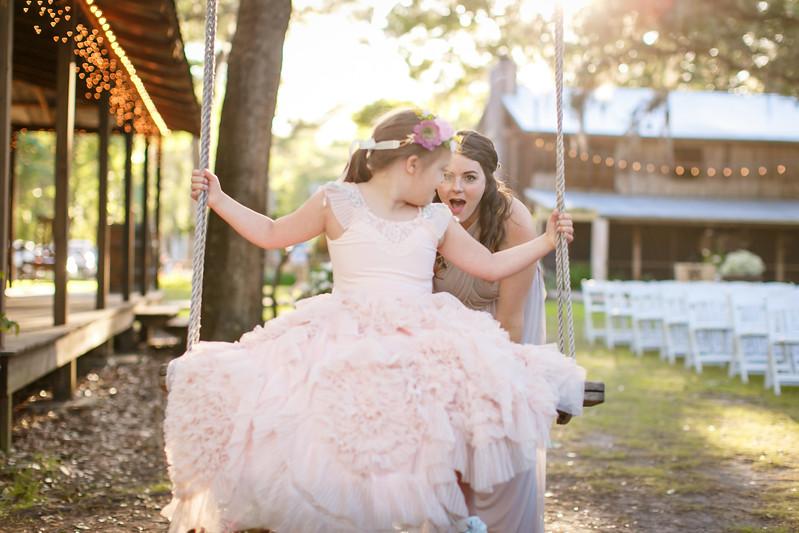CAP2017-MadisonKyle-WEDDING-Giselle-TuckersFarmhouse-1029.jpg