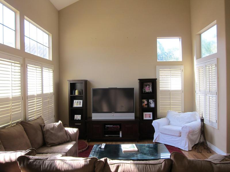 susie living room 1.jpg