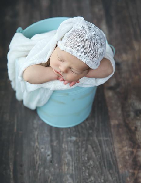 tt7-newport_babies_photography_newborn_boy_at_home-4931-1.jpg