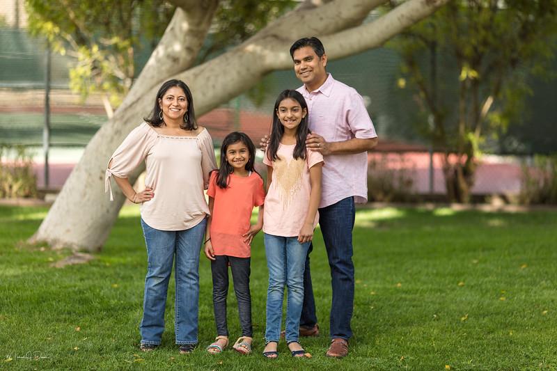 Urvi Family-30.jpg