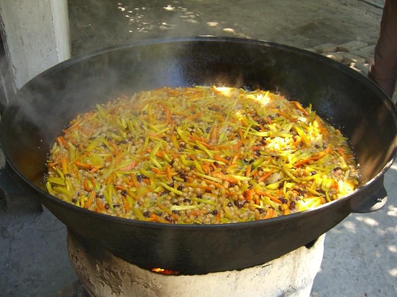 Simmering Plov (Rice Dish) - Tashkent, Uzbekistan