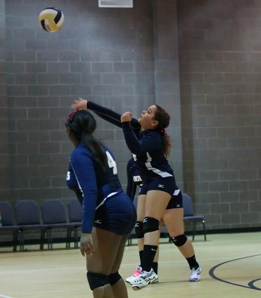 VCA Knights Volleyball 2013-135.jpg