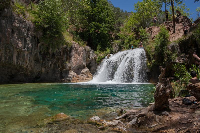 Waterfall_8bit.JPG