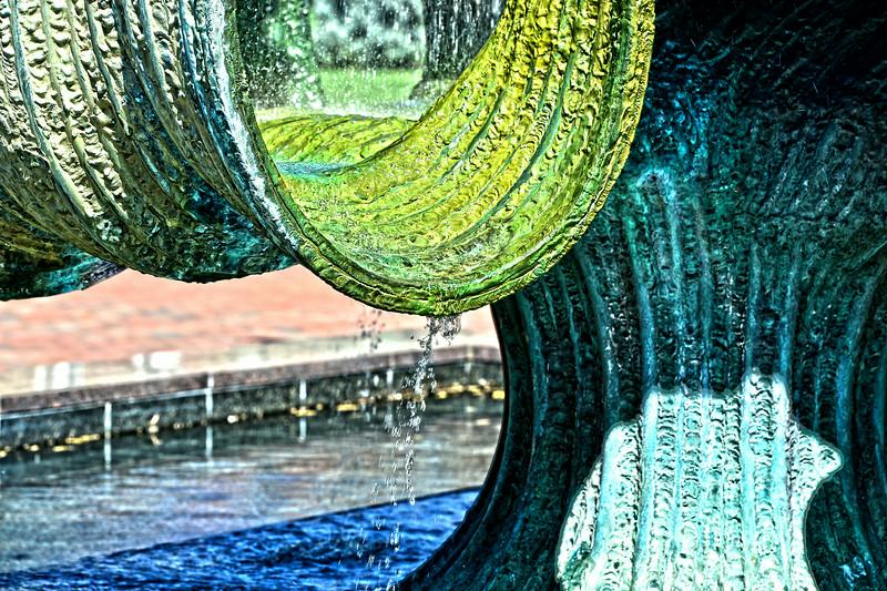 fountain4443a.jpg