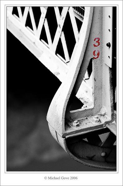 Number 39 Clifton Suspension Bridge (68870241).jpg