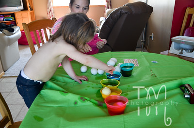 Egg Coloring with Kinley | 4.1.12
