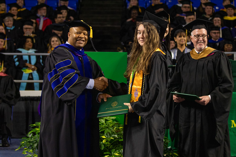 Graduation 2019-9597.jpg