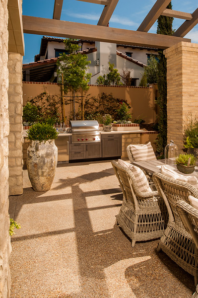 Innovative Outdoor Kitchens: Brown Jordan Outdoor Kitchens