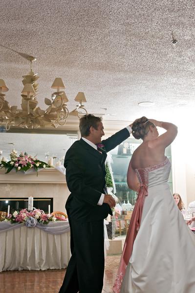 160 Mo Reception - Justin & Heather's 1st Dance.jpg