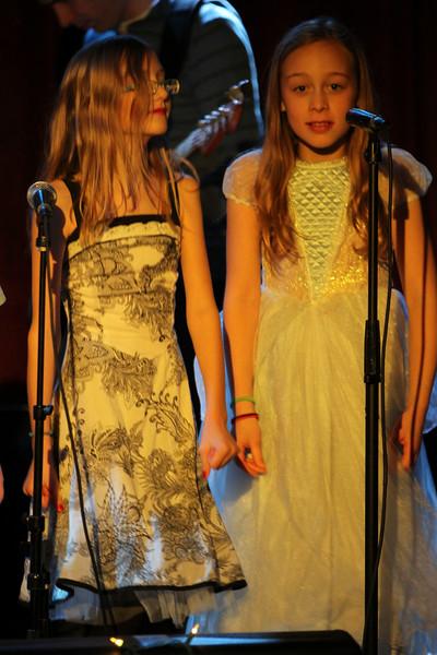 2011.12.12 Suzi Shelton Concertf-85.jpg