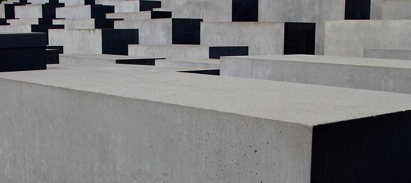 Holocaust memorial4.jpg