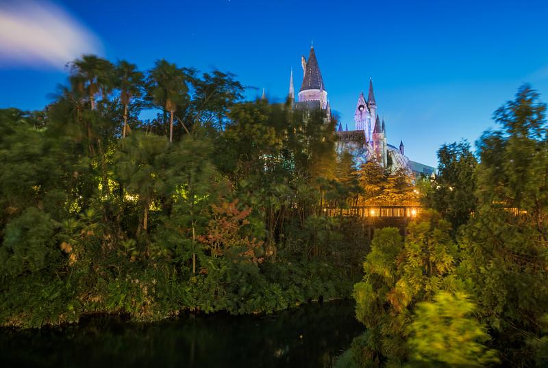 hogwarts-castle-across-water.jpg