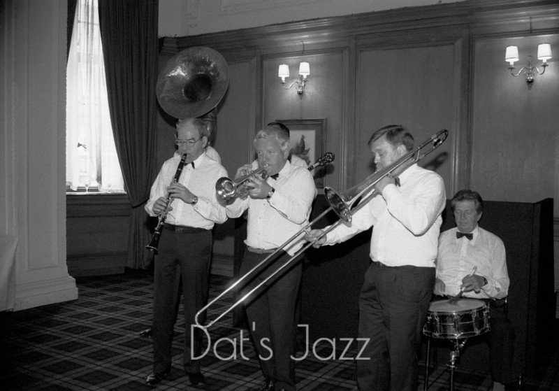 ALLAN ELSDON JAZZ BAND  (87/5206)