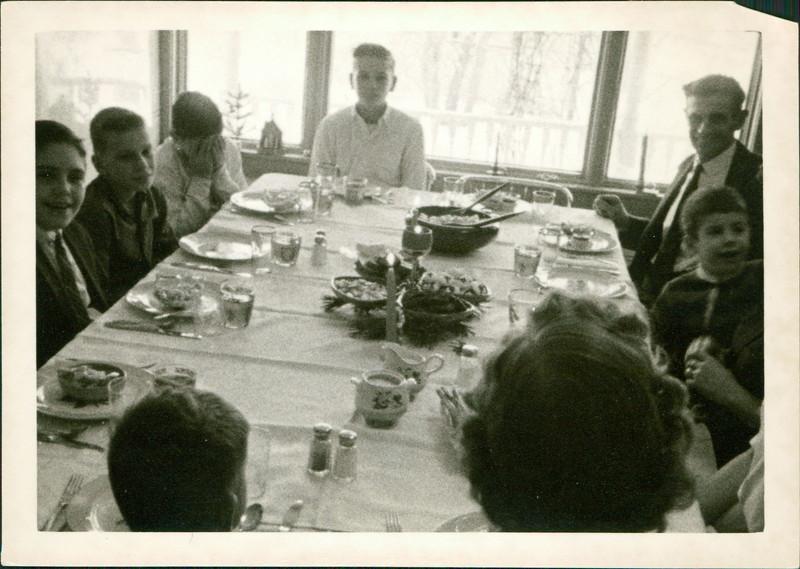 1963_George_E50-01.jpg