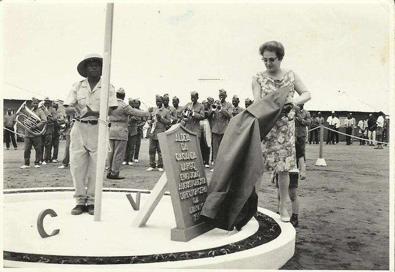 Inauguração da aldeia da Cacanda - 1968 ( Corpo de Voluntarios) Largo Eng. Joao Augusto Bexiga - Director Geral da Diamang Emilia Bexiga