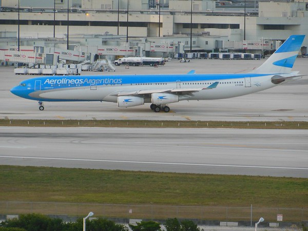 Aerolineas Argentinas (AR)