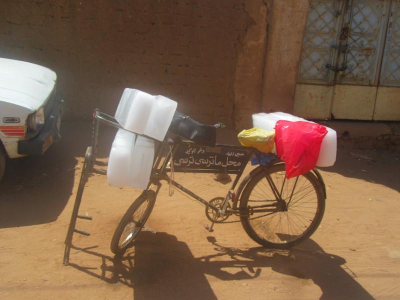 022_Khartoum. Omdurman. Old Souq Market. Ice delivery.JPG