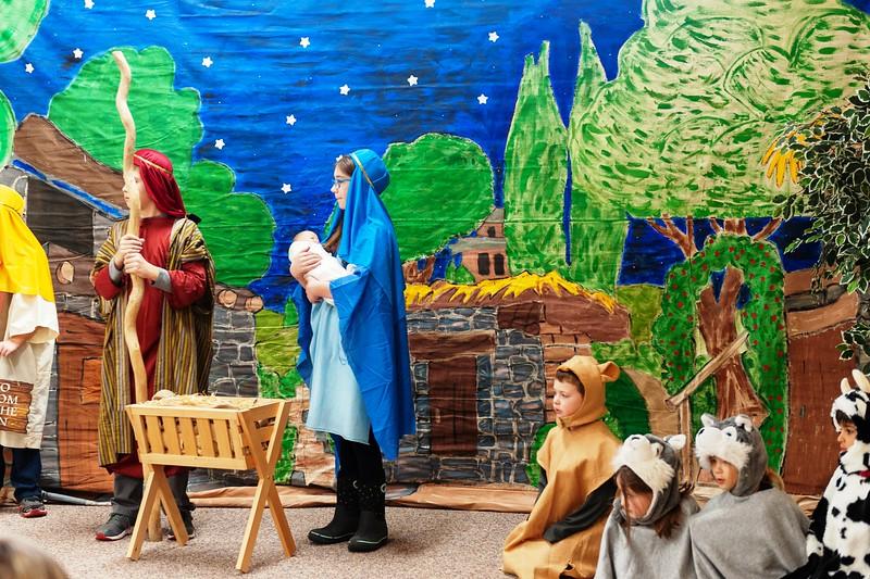 20191209 Faith Children Advent Family Gathering-8010.jpg