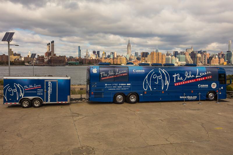2017_09_30, Brooklyn, NY, Smorgasburg, tents and tours, bus exterior, NY skyline, Canon, OWC, Juniper, Securematics, Yamaha, nearpod, line 6, namm, neutrick, audio technica, genelec, Apple