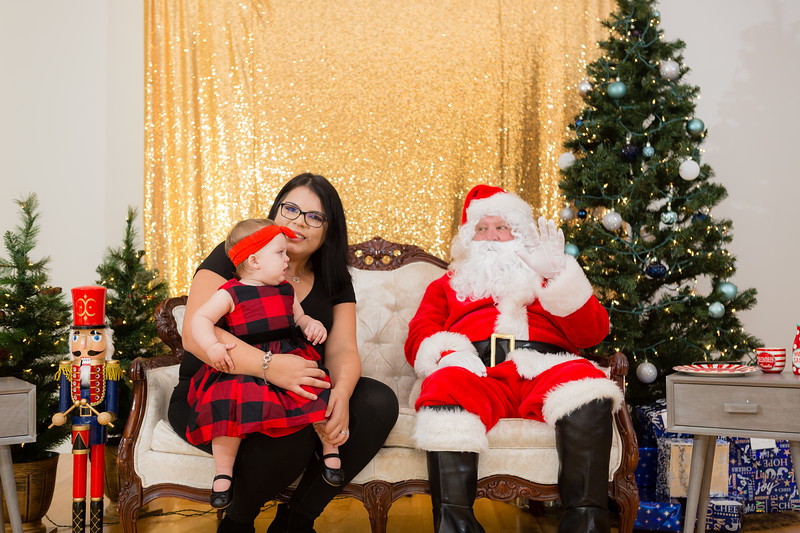 FADS Picture with Santa-163.jpg