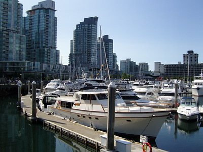 Vancouver waterfront walk to Stanley park