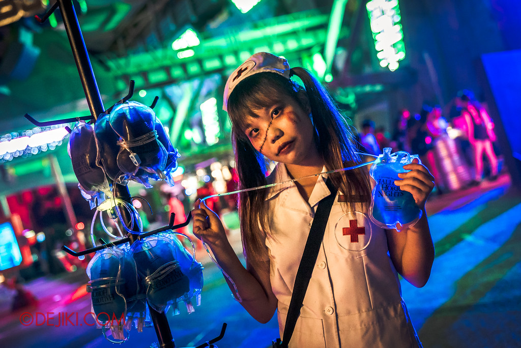 Halloween Horror Nights 7 Survival Guide - Nurse selling blood bags