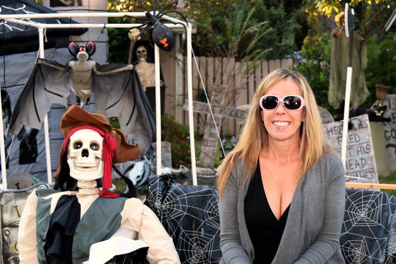 2014 Halloween Bovaween at the BooOOoo-va house (38).JPG