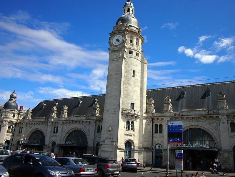P7246045-train-station.JPG