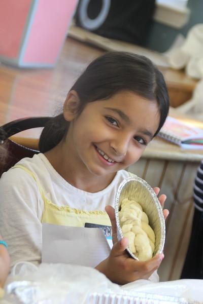 kars4kids_thezone_camp_girlsDivsion_activities_baking (57).JPG