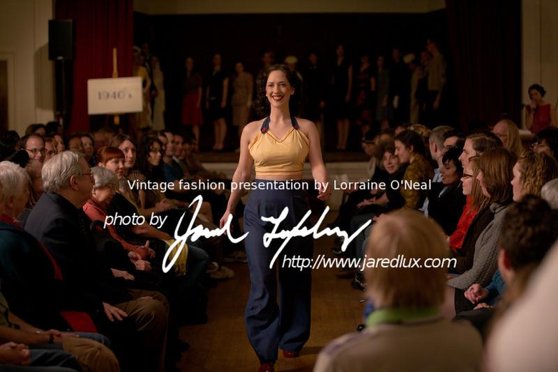 vintage_fashion_show_09_f3958472.jpg