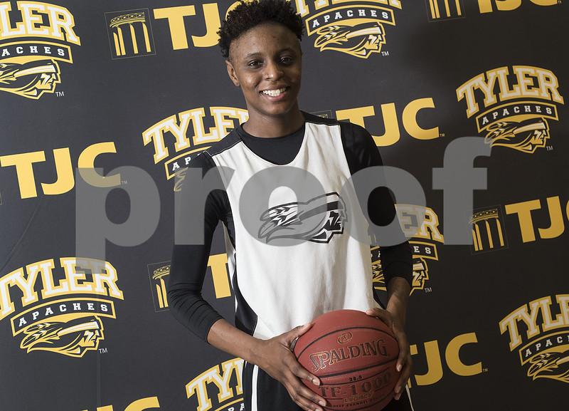 031717_TJC_Girls_Basketball_04web