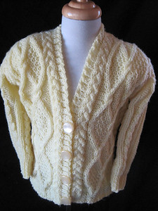 HANDKNITS FOR JUNIORS - Handknitted jumpers, jackets, accessories for babies & toddlers