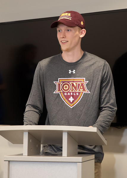5.1.19 CSN College Signing - Weiss & Carr-20.jpg