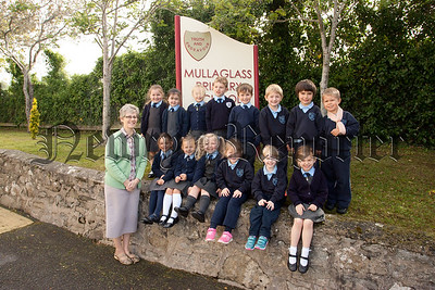 Pictured are the new Primary 1 pupils at ullaglass pS with their Teacher Mrs Elizabeth Ward. R1539002