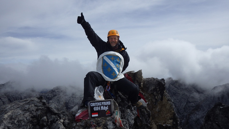 …with traditional Bosnian flag… … after about 5 hours of climbing on November 20th.