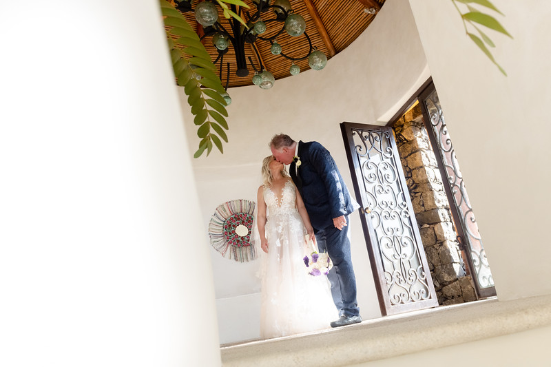 Jessica&Todd-Newlyweds-27.jpg