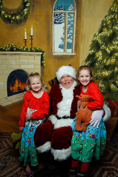 Pictures with Santa Earthbound 12.2.2017-035.jpg