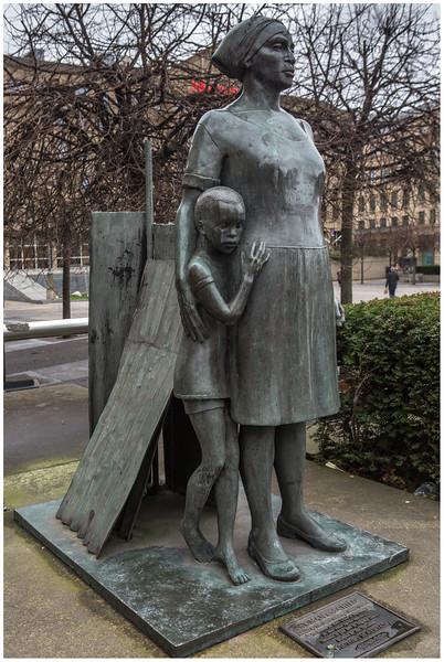 Woman and Child sculpture, Festival Square