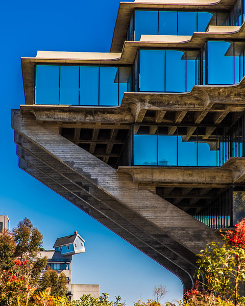 Giesel Library, UCSD, La Jolla, California