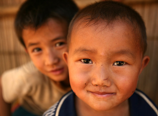 hmong kids2small.jpg